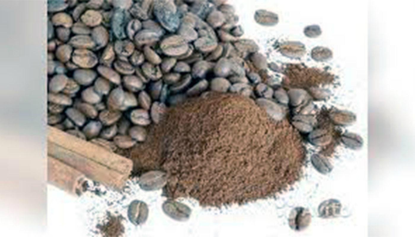Как использовать спитой кофе, удобрение в огороде, скраб в бане
